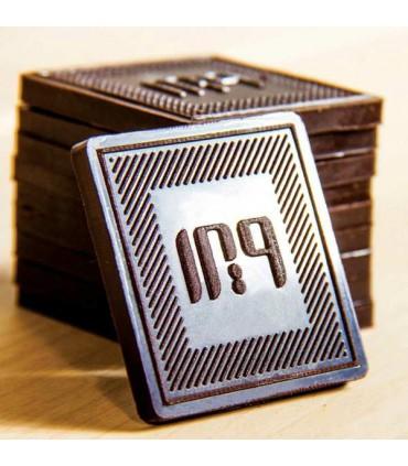 شکلات لوگو مربع