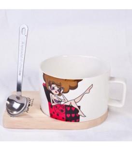 فنجان سرامیکی با قاشق مغناطیسی